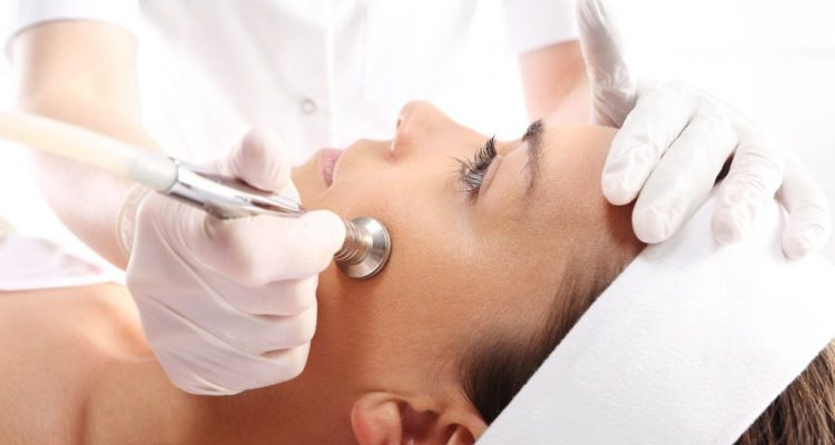 Plastic Surgery For Acne Scars - What You Should Know
